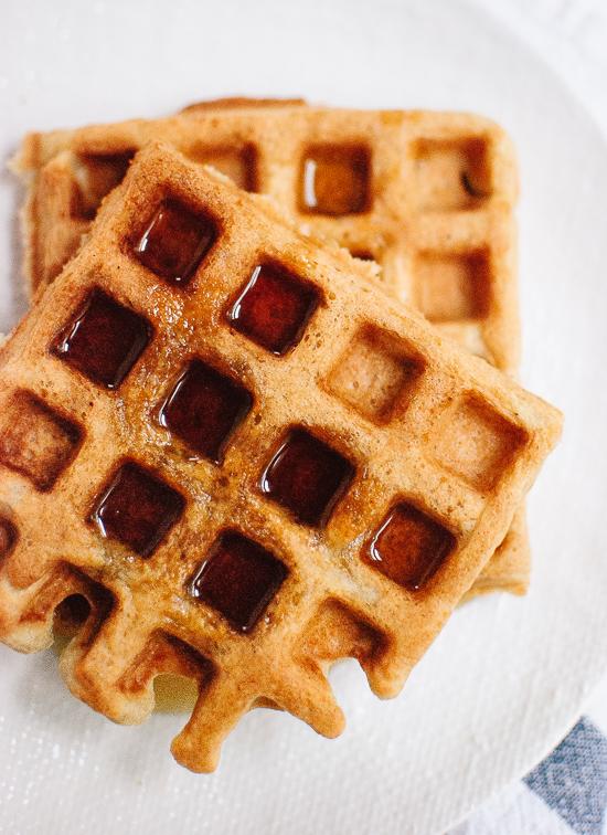 gluten-free-oat-waffles-recipe-1
